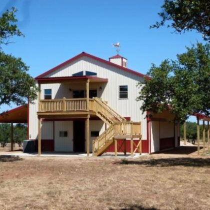 Llano Barn Home
