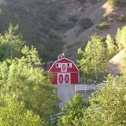 24x36 Gambrel Red Barn in Agoura CA